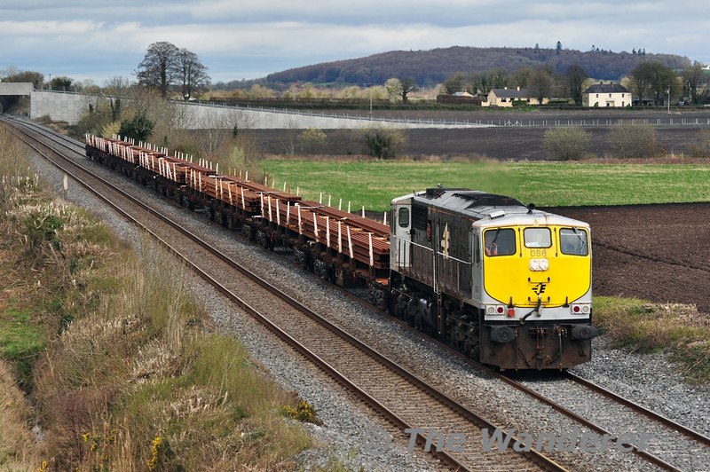 The Steel Train operated on Saturday 5th April 2014. 086 at Carn Bridge with the late running 0955 Belview - Portlaoise Steel Train. Sat 05.04.14