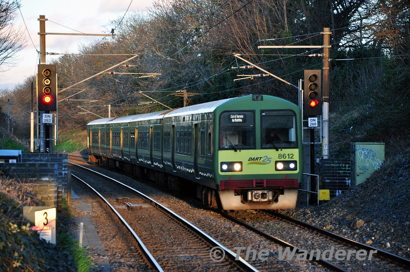 8512 + 8511 at Raheny with the early running 1740 Howth - Fairview Ety. Thurs 27.02.14