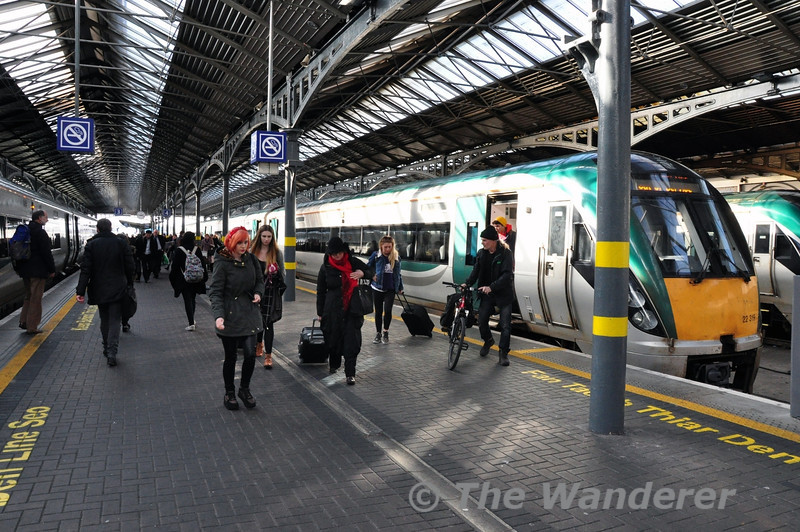 Passengers leave 22019 at Dublin Heuston after arrival of the 1220 ex Cork. Thurs 27.02.14