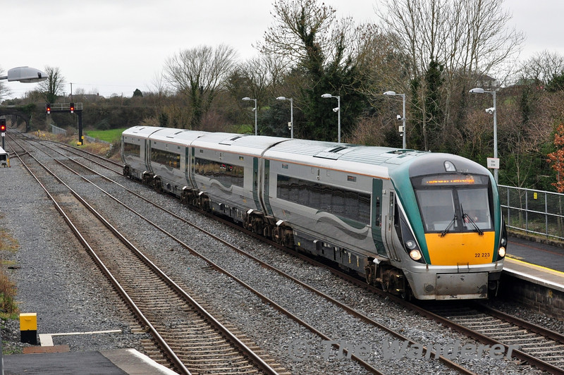 A few minutes after the departure of the 1100 Waterford - Heuston, 22023 arrives into Kildare with the 1220 Portlaoise - Heuston service. Sat 22.02.14