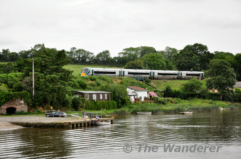 22022 passes Killurin with the 0940 Connolly - Rosslare Europort. Mon 21.07.14