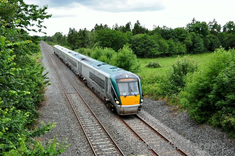 22034 120 Limerick - Heuston at Kilbride Bridge, Portarlington. Sun 27.07.14