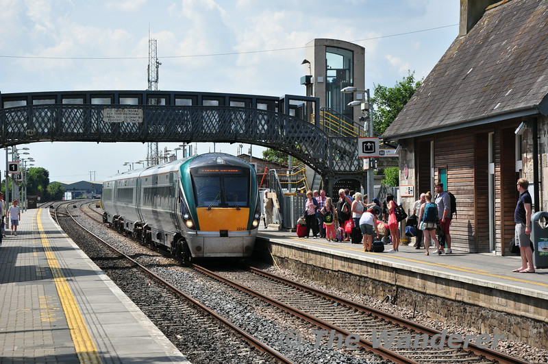 22049 arrives at Portlaoise from Laois Traincare Loop. It will now be forming the 1320 Portlaoise - Heuston Commuter Service. Fri 25.07.14