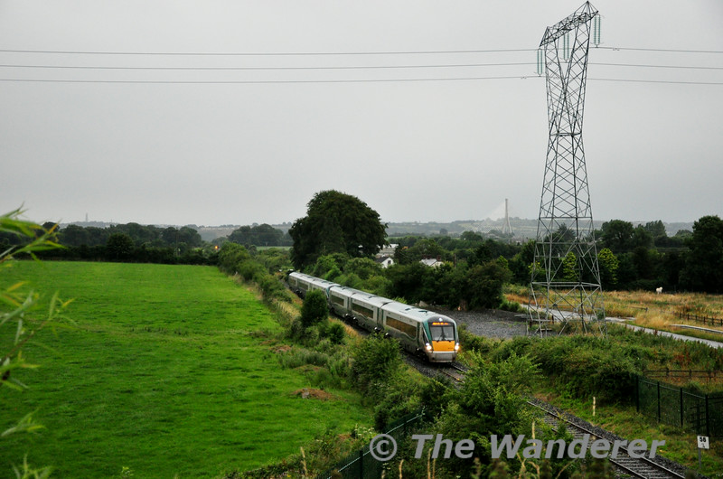 22004 + 22063 pass Blossomhill, near Milltown. with the 0605 Waterford - Heuston. Thurs 17.07.14