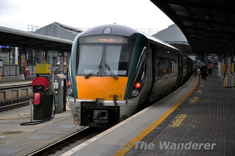 22043 stands at Heuston with the 1435 to Galway. Sun 16.03.14