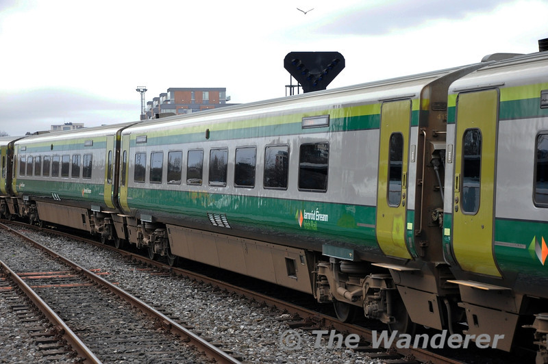 MKIV Standard 4137 in the consist of the 1100 Heuston - Cork. Sat 15.03.14
