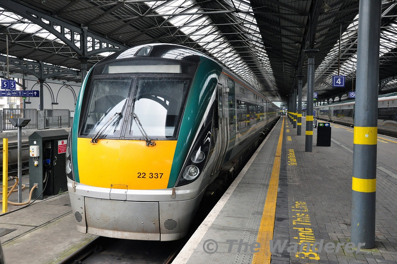 22037 stabled at Heuston. It had earlier worked the 0700 ex Tralee and would be forming the 1625 to Limerick later that afternoon. Sat 15.03.14