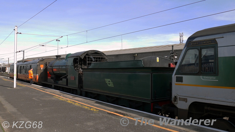 RPSI's 461 at Connolly after NI Railways owned (8)208 hauled it from Inchicore. 461 will be in action next Sunday with a RPSI Railtour to Mullingar. Wed 19.03.14. <br /> <br /> Photo courtesy of KZG68