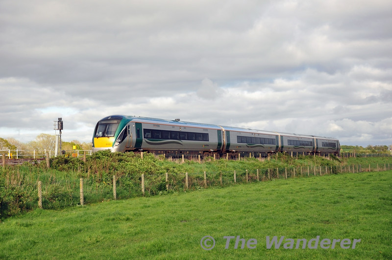 22021 was working the 1535 Heuston - Galway but was terminated at Portarlington due to the failure of the Timber Train. It was waiting for a path to Athlone to stable for the night. Wed 07.05.14