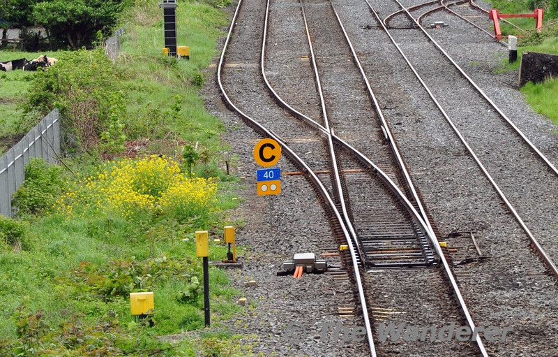 Iarnrod Eireann have recently introduced reflective twin discs on temporary speed restriction signage. Sat 10.05.14