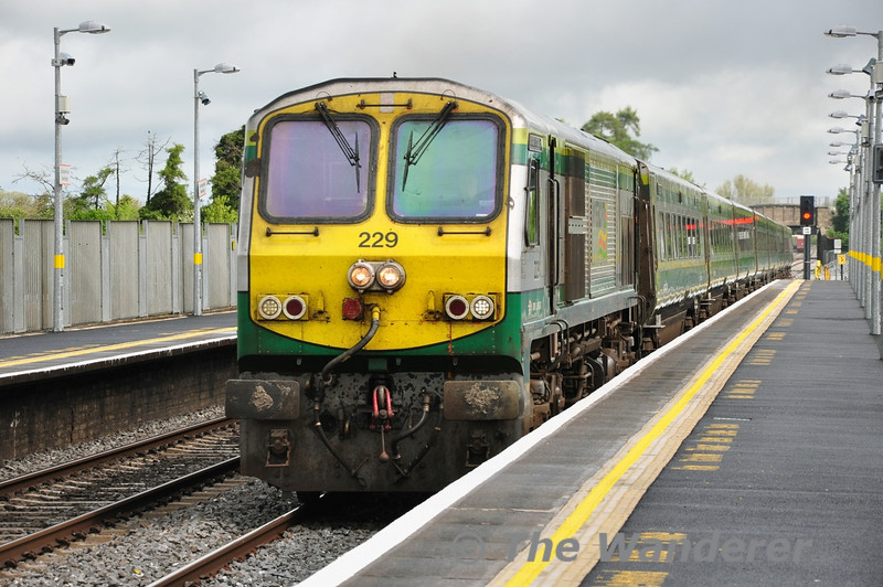 229 1200 Heuston - Cork passes Newbridge. Sat 10.05.14