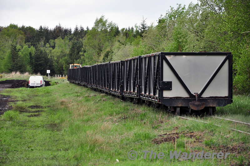 LM327 leaves Coolnamona and heads to Clonkeen Bog with an empty Peat Train. Mon 05.05.14