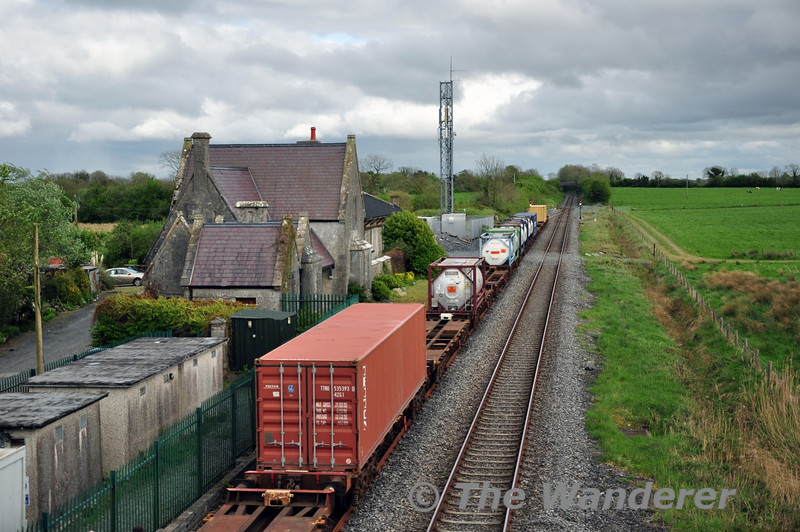 The abandoned IWT Liner Train at Geashill. 078 would later collect it to bring it to North Wall. Wed 07.05.14