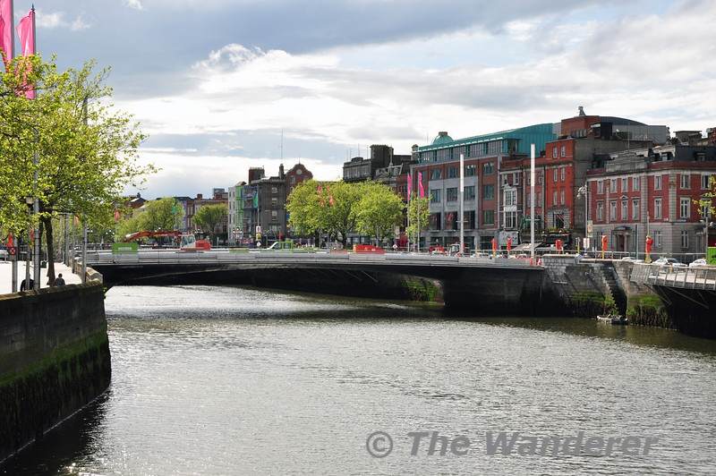 The Rosie Hackett Bridge is nearing completion. It will carry southbound trams across the River Liffey on the new LUAS Cross City line. Sun 11.05.14