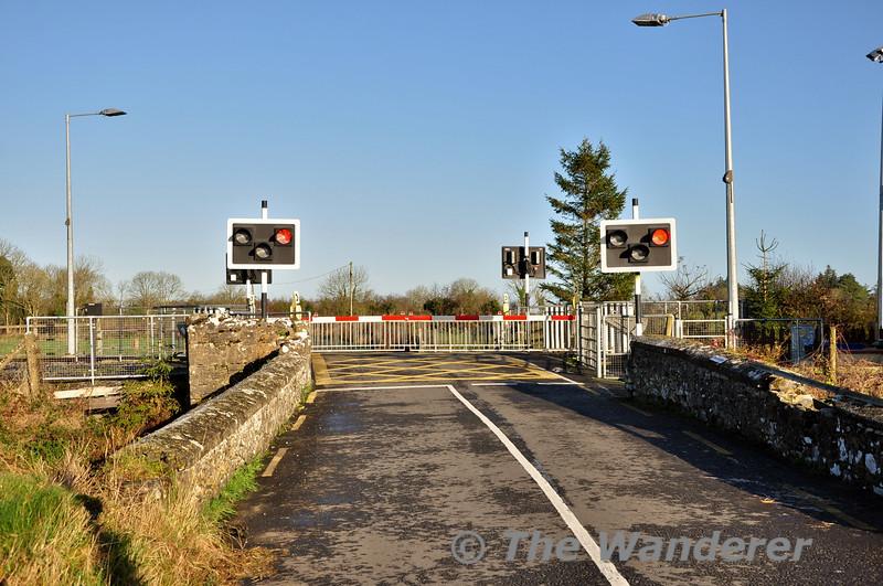 Clonwhelan Level Crossing XS32. Sun 23.11.14
