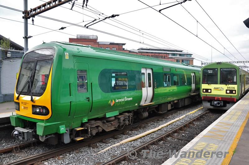 Green Goddess 29017 at Tara Street with EMU 8506 + 8505. Sat 06.09.14