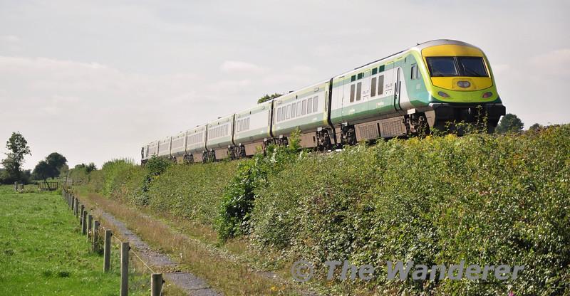 4007 at the rear of the 1300 Heuston - Cork at Clonard. Mon 08.09.14