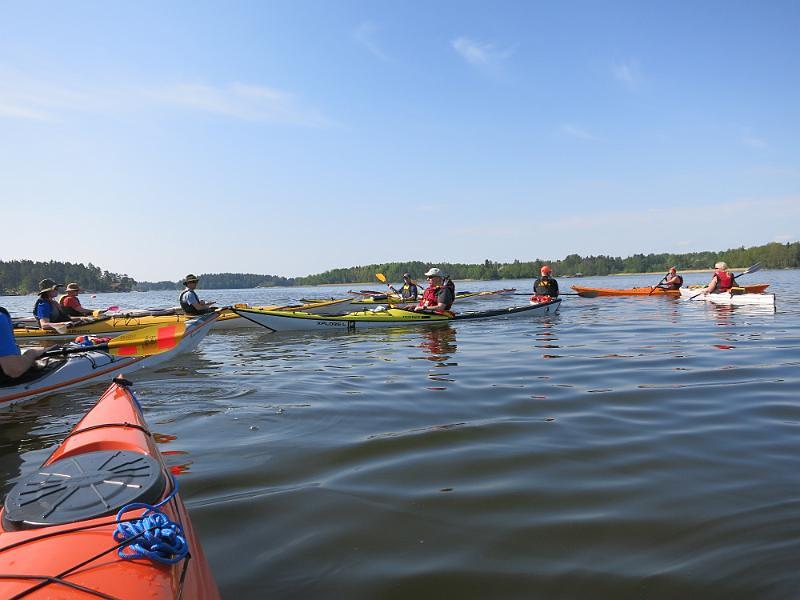 Samling innan paddling tillbaka till Solö