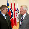 Mr Gunnar Bragi Sveinsson, Minister for Foreign Affairs and External Trade, Iceland (left), talking to Mr Thomas Angell, Enterprise Federation of Norway and Chair of the EFTA Consultative Committee