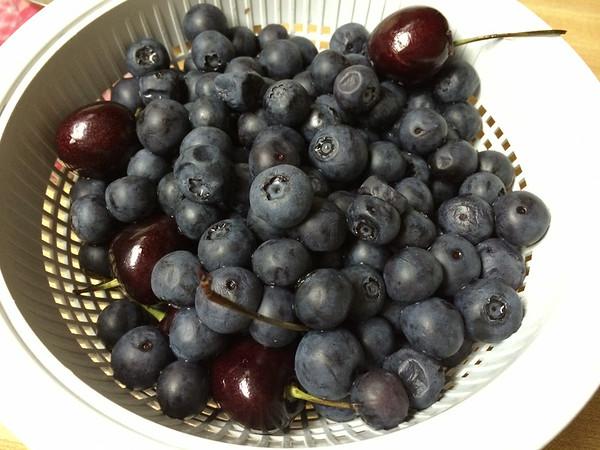 2014-07-02 Fruit from Sarah