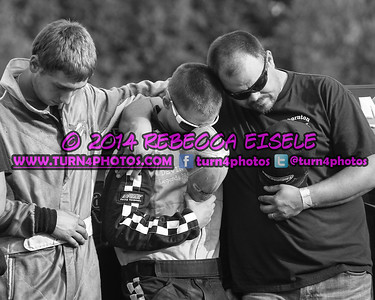 Taylor Devin and Clay during prayers (1 of 1)
