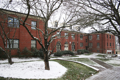 Snow falling on Decker Hall on the campus of Gardner-Webb University.