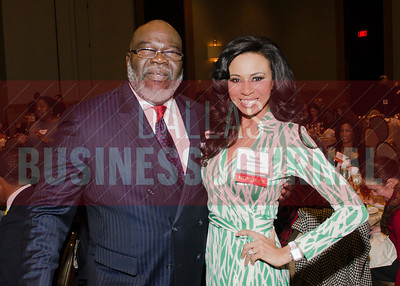 Honorees T.D. Jakes and Terra Saunders.