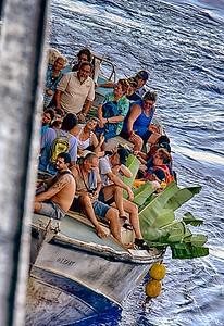 Islanders boarding the Amsterdam
