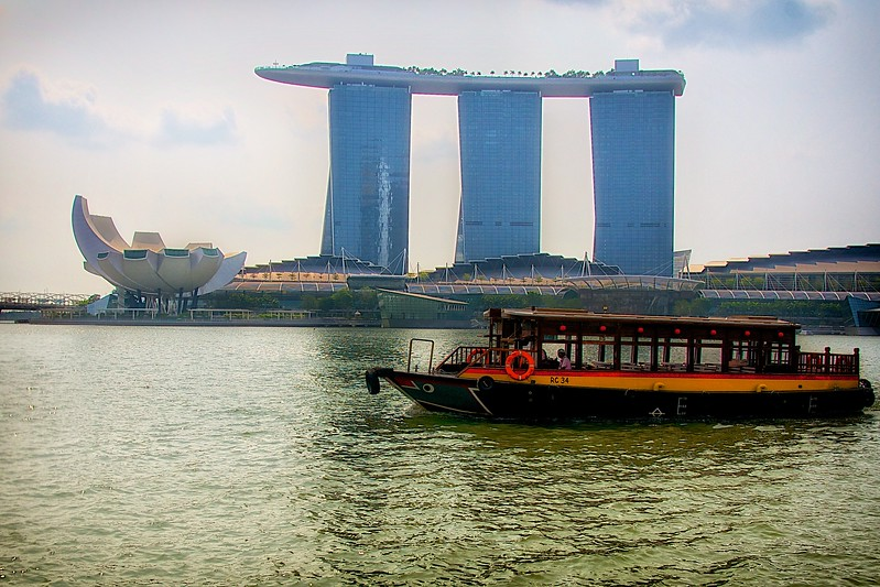 Bumboat Ride on Singapore River (Marina Bay Sands)