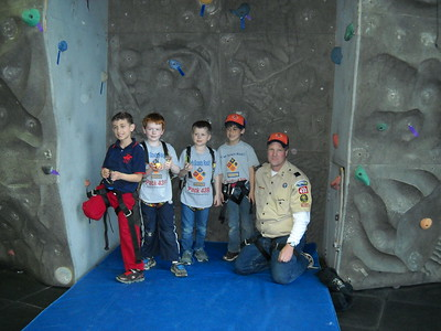 20140424 - Tigers Go Rock Climbing