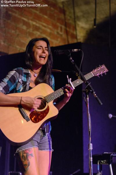 Jenn Fiorentino @ The Cave, Toronto, ON, 1-October 2014