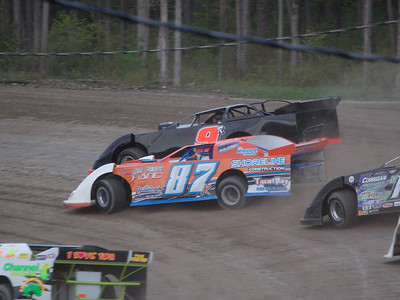 #9R Curtis Roberts and #87 Josh Knoll