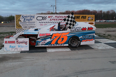 Heat race winner #75 Roy Harvey