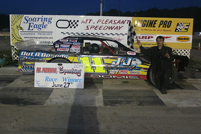 Feature winner #11 Josh Loomis