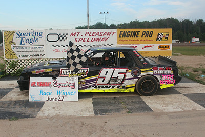 Heat race winner #95 Brendan Powell