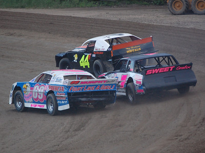 #711 Chris Wiggins, #69 Nate Murphy, and #44 Tony Vinton