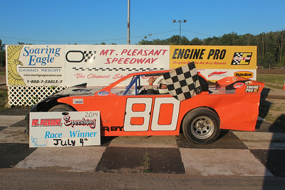 Heat race winner #80 Jeramie Raby
