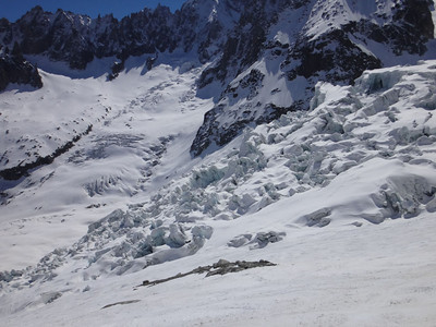 But the Vallee is a deadly place. The crevasses swallow several skiers each year (or, perhaps, they met hungry yetis?)