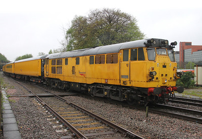 31285 Basingstoke 25/04/14 on the rear of 3Z09 Eastleigh to Derby RTC