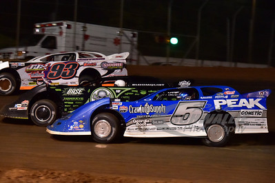 5 Don O'Neal, 0 Scott Bloomquist and 93m Ray Moore battle for the lead.