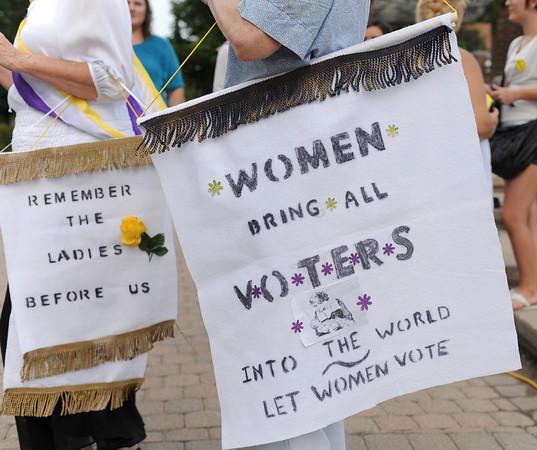 MET 082614 WOMEN BANNER