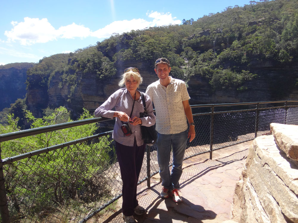 Then it was onto the Blue Mountains 2 hrs west of Sydney, to link up with Mum here and some of my family. After a weekend catching up and dodging kangaroos on my morning jogs, Mum and I were to take a road trip to the Snowy Mountains. But first we enjoyed a stroll here near Wentworth Falls.