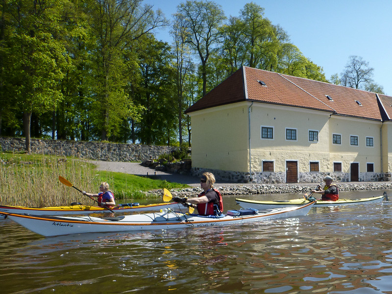 Förbi Sparreholms slott