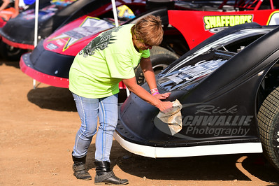 Scott Bloomquist's car gets cleaned on