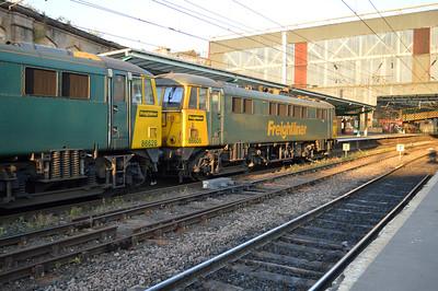 86605_86628 2030/4m11 Coatbridge-Crewe arrives at Carlisle.