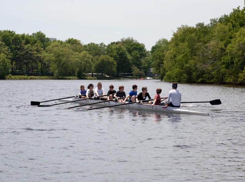 Parent row boat under way