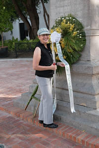 Lois with the statue honoring Padre Billini, benefactor of the Hospital Billini nearby.