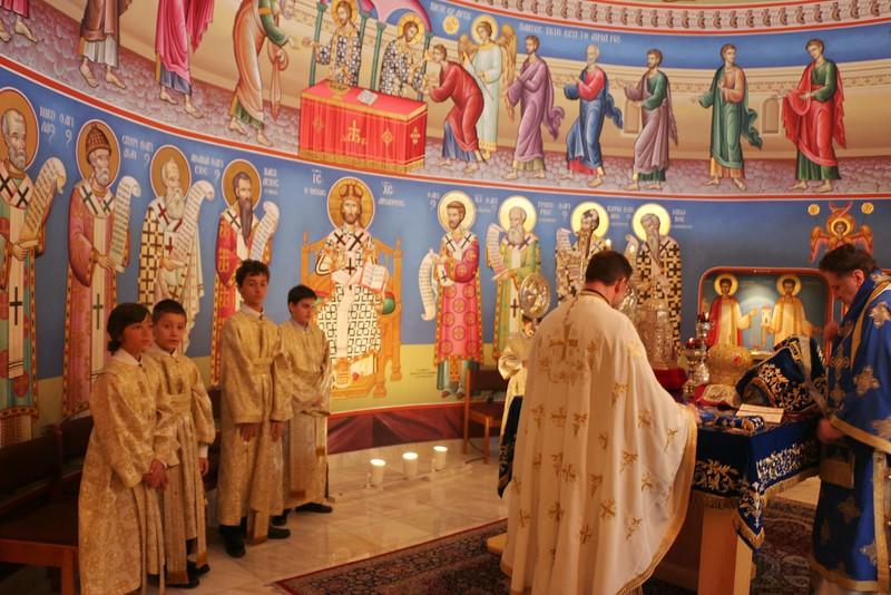 Dormition Liturgy 2014 (13).jpg