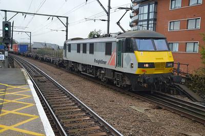 90047 1045/4L89 Crewe-Felixstowe.