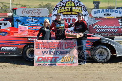Mike Benedum won the DirtonDirt.com Strawberry Dash during the Saturday makeup show